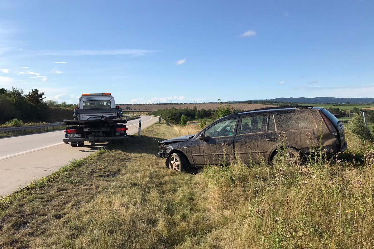 Bergung eines Unfallwagens