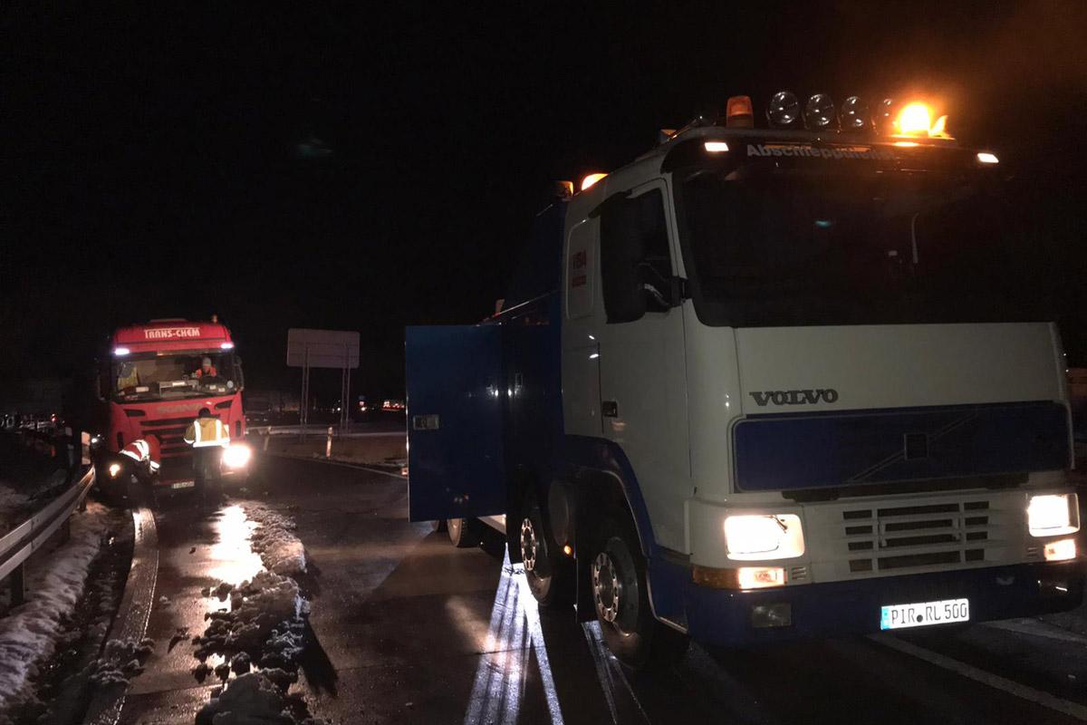 LKW Abschleppeinsatz auf der Autobahn