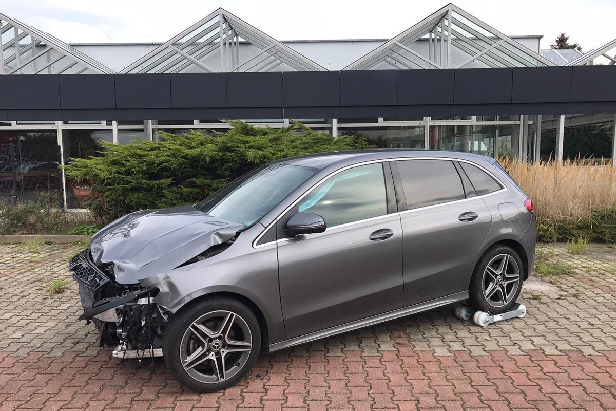 Unfallwagen Mercedes